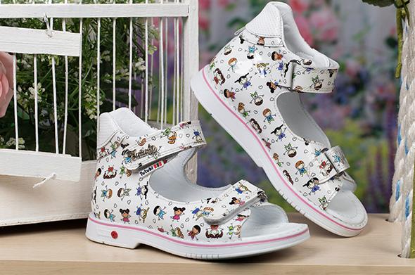 Босоножки - детская обувь